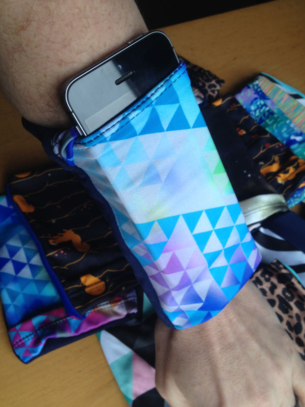 Armband pockets - with iPhone 5s